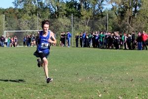 Luke Persun (10) sprints towards the finish line.