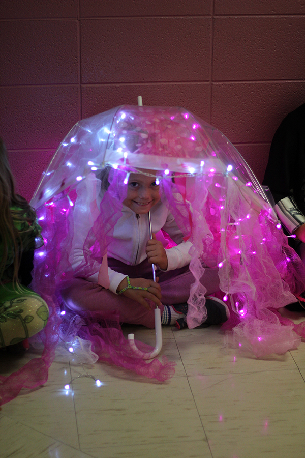 A student wear a jellyfish costume.