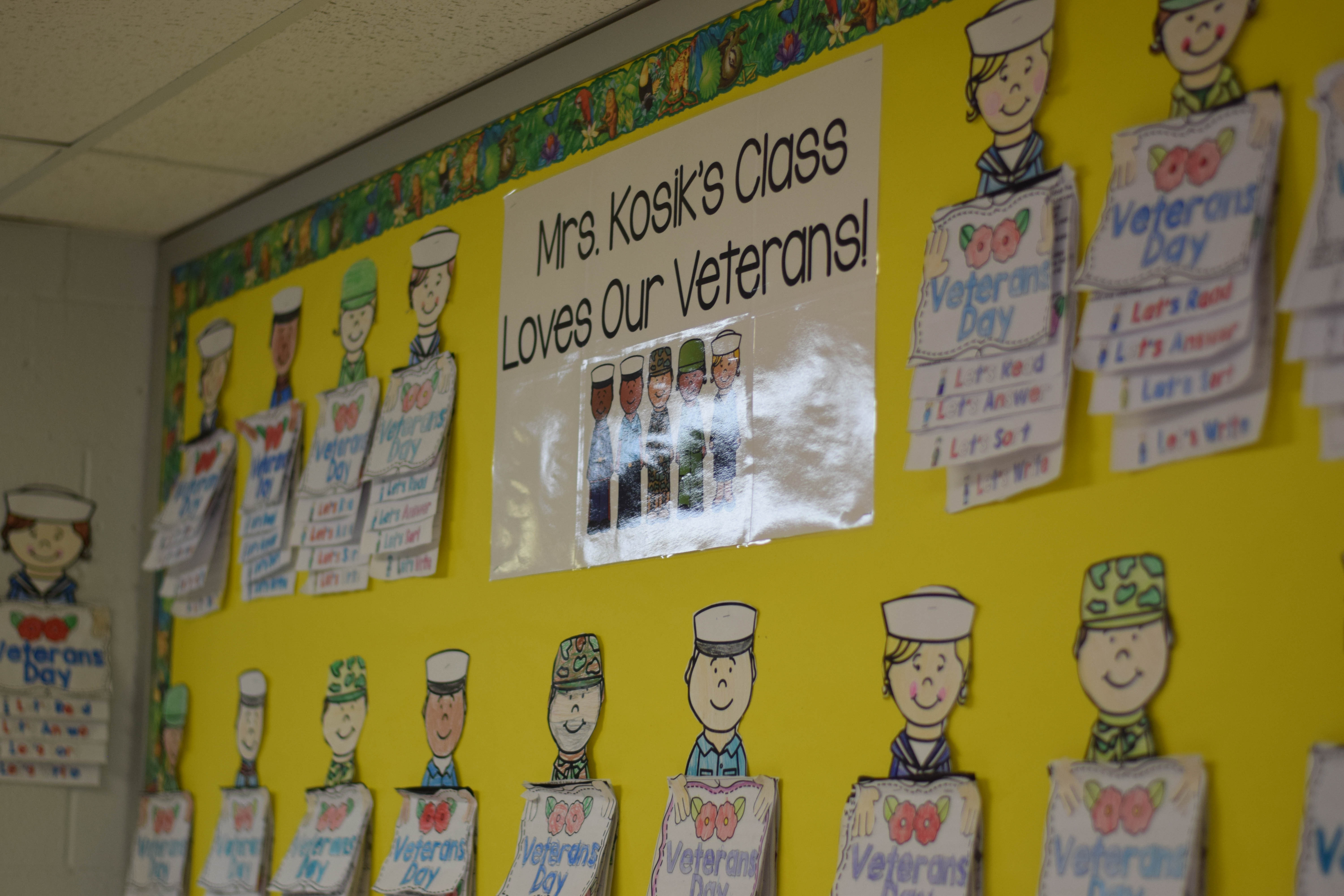 Class showing their love for veterans