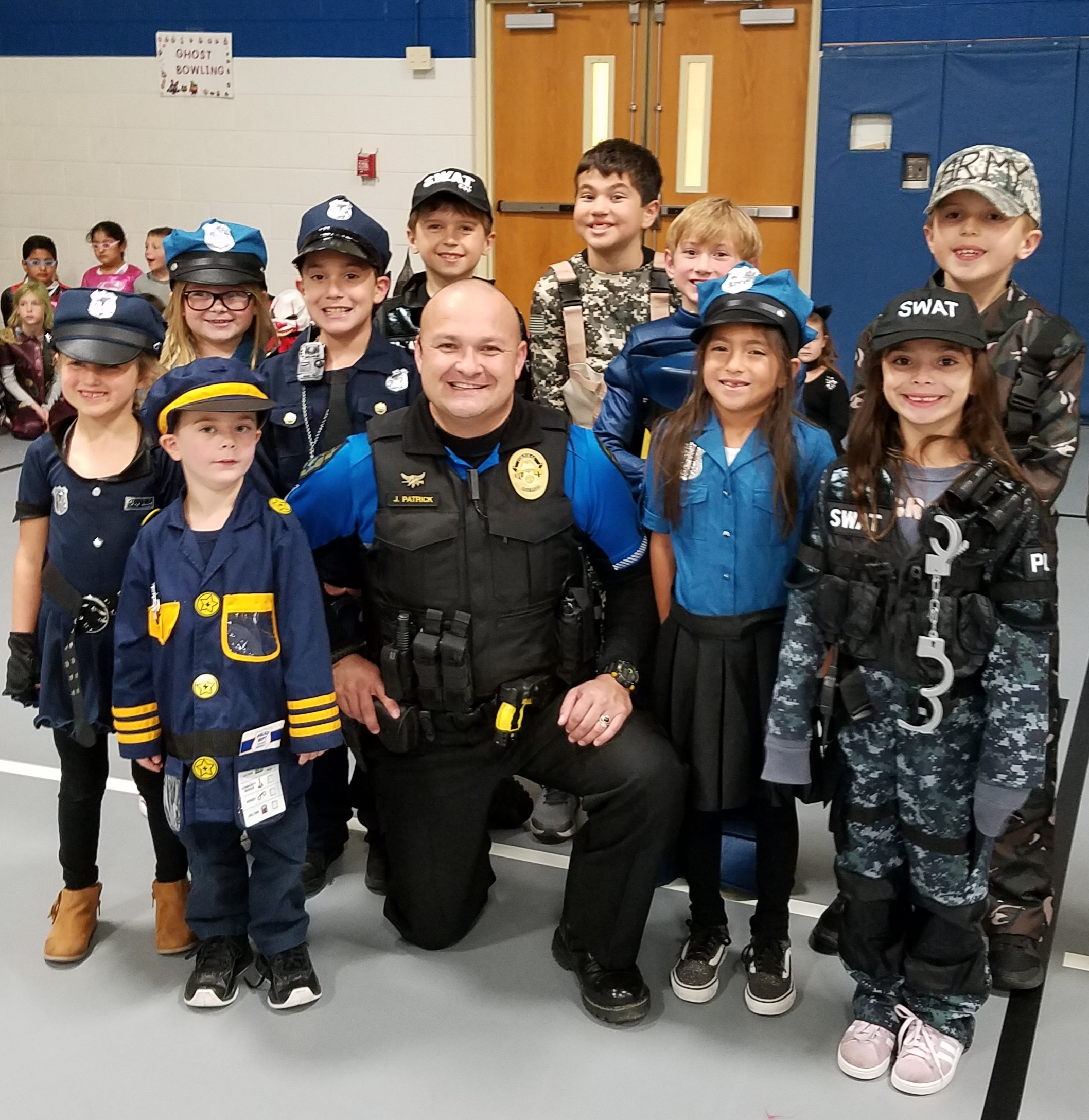 Peifer students celebrate our local policemen on Halloween 2018!