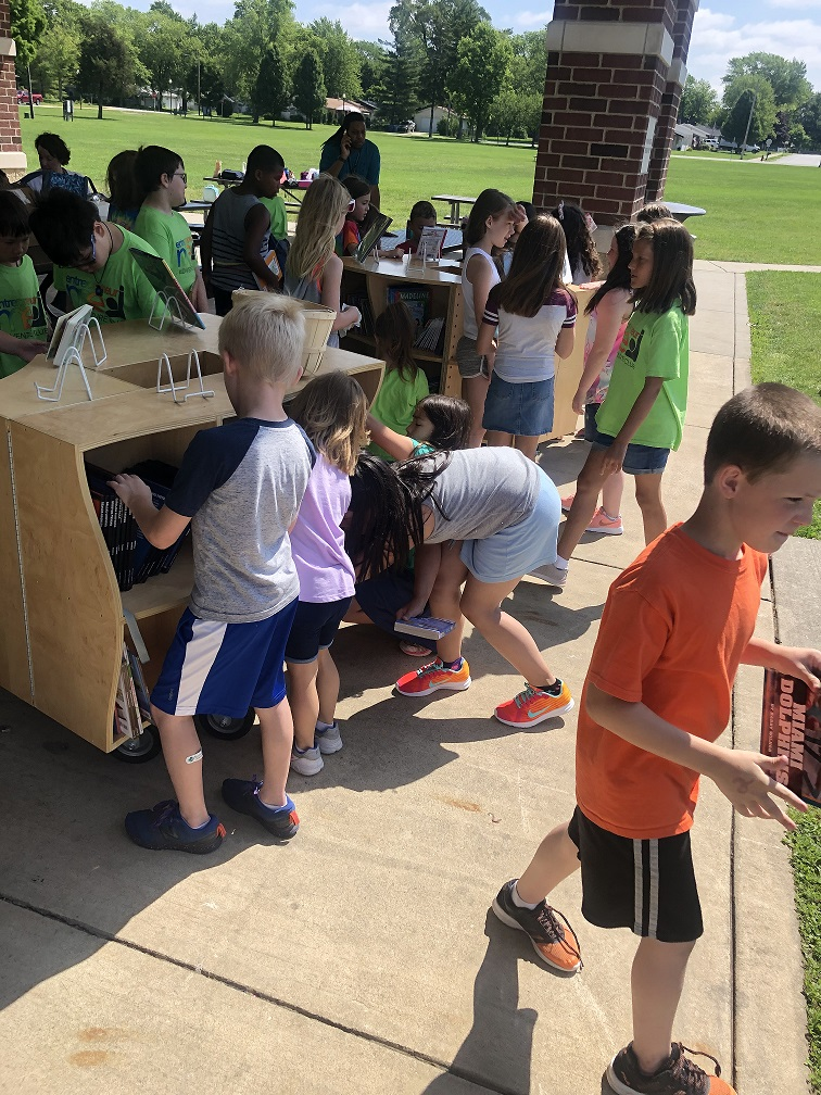 Students enjoying Lake Central's UNI at Redar Park in Schererville. The students also participated in an art project with the help of Art Teacher, Mrs. Miller.