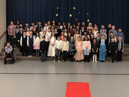 Peifer 2nd graders dress up for the Academy Awards of Books... red carpet included!