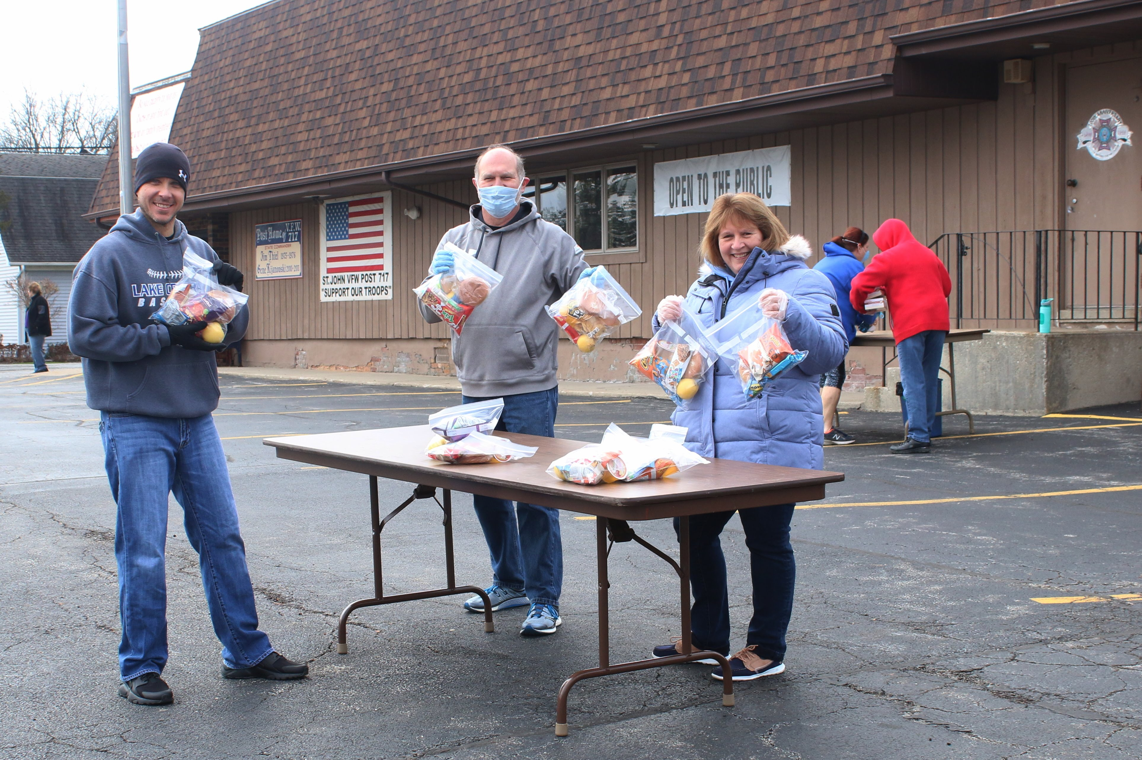 Mr. Stanisz, Mr. Graber and Mrs.Beach assisted with lunch distribution at the VFW on Wednesday April 1.